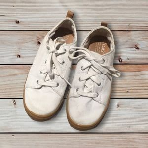 👟Girls lace up white toms